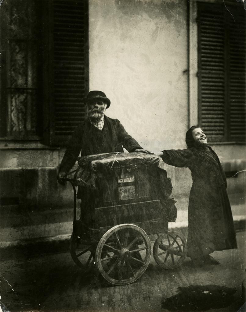 Class and Nostalgia in Atget's Organ Grinder and Girl (1898-99)